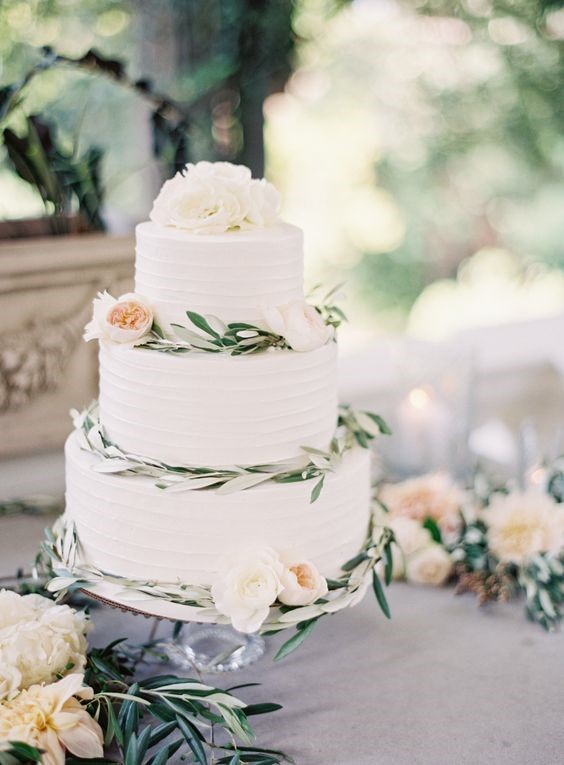 9 Stunning Wedding Cake Ideas The Oceanview of Nahant
