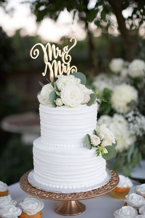 9 stunning wedding cake ideas the oceanview of nahant simple cake 2 junglespirit Images